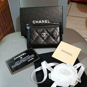 Authentic Chanel card holder Italy